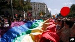 Jedna od najugroženijih grupa u Srbiji kada je zločin iz mržnje u pitanju je LGBT populacija, Foto: AP/Darko Vojinović