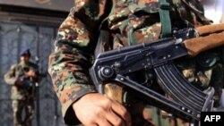 Вооруженный патруль йеменской полиции.