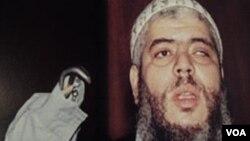 Ulama radikal Abu Hamza al-Masri, bekas imam masjid di Finsbury Park, London mengajukan banding atas ekstradisinya ke Amerika (foto: dok).