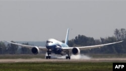 Dreamliner на аэродроме в Жуковском
