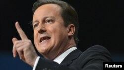 El primer ministro británico, David Cameron, congratuló a Obama y dijo que los dos países tienen temas inmediatos que abordar.