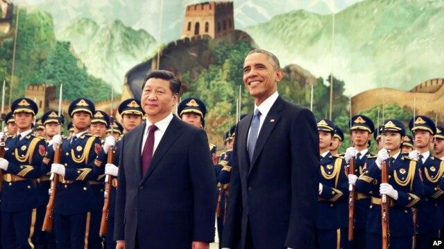 Tổng thống Mỹ Barack Obama và Chủ tịch nước Trung Quốc Tập Cận Bình tại Đại lễ đường Nhân dân ở Bắc Kinh, 12/11/2014.