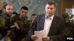 Pemimpin separatis pro-Rusia di Donetsk, Alexander Zakharchenko menghentikan pembicaraan damai dengan Kyiv (foto: dok).