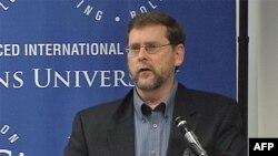 Stiven Hil, politikolog i direktor Programa za političku reformu u Fondaciji za novu Ameriku.