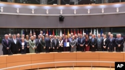 PESCO'ya AB dışişleri ve savunma bakanları Brüksel'de imza attı