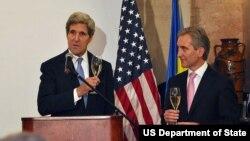Джон Керри и премьер-министр Молдовы Юрие Лянкэ