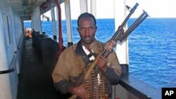 Piratas somalis mantêm reféns moçambicanos a bordo do Vega 5