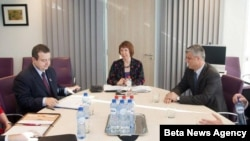 Premijer Srbije Ivica Dačić, visoka predstavnica EU Ketrin Ešton i predsednik Vlade Kosova Hašim Tači (arhivski snimak)