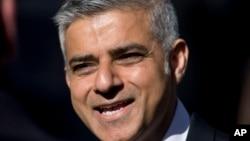La alcadía de Londres podría quedar en manos de un musulmán por primera vez, si Sadiq Khan, hijo de inmigrantes pakistaníes, gana la elección.