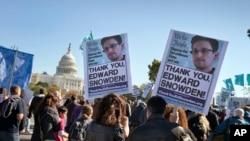 Un rassemblement devant le Congrès américain proteste contre la surveillance de la NSA sur le peuple américain à Washingtonle 26 octobre 2013. (AP)