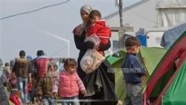Vazhdon gjendja e vështirë në kufirin Maqedoni-Greqi