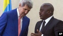 Госсекретарь США Джон Керри и президент Конго Жозеф Кабила