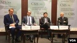 華盛頓智庫戰略與國際研究中心針對川普主政後台海安全態勢的研討會(2017年1月17日,美國之音鍾辰芳拍攝)