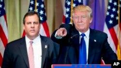 کریس کریستی در کنار دونالد ترامپ