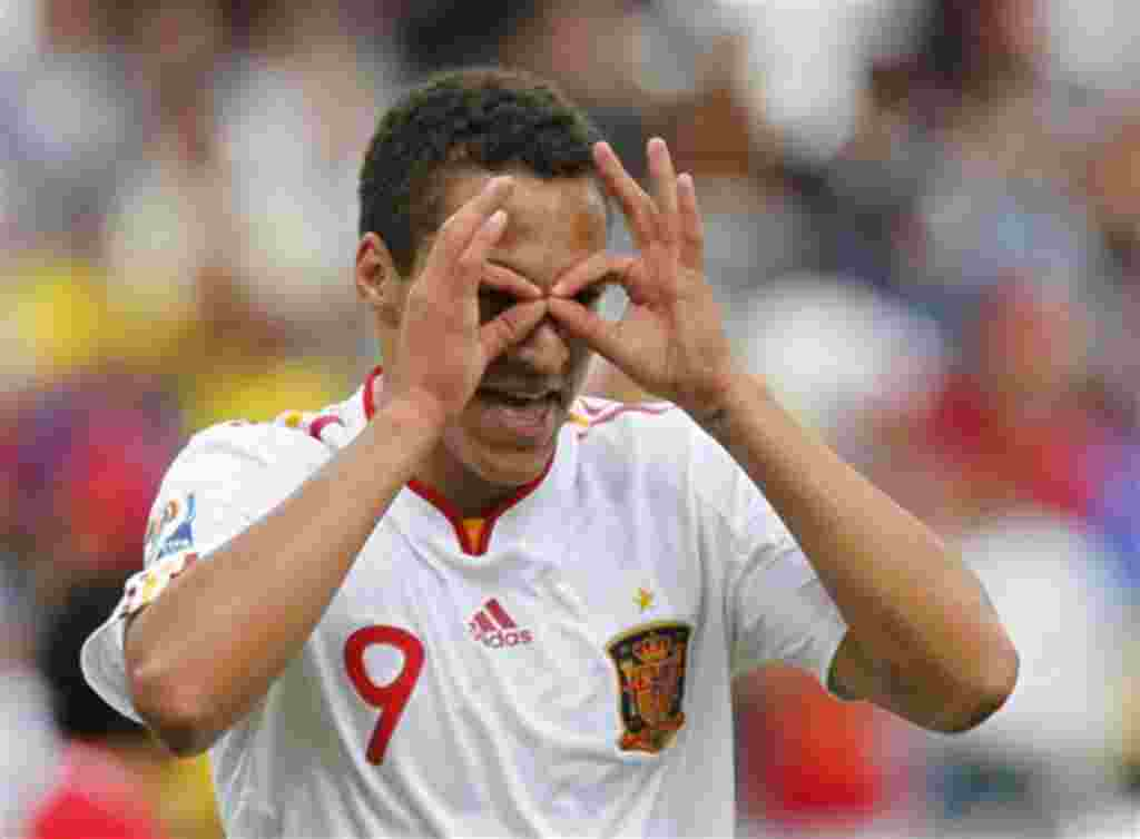 Spain's Rodrigo Moreno celebrates after scoring against Costa Rica during a U-20 World Cup group C soccer match in Manizales, Colombia, Sunday, July 31, 2011. (AP Photo/Ricardo Mazalan)