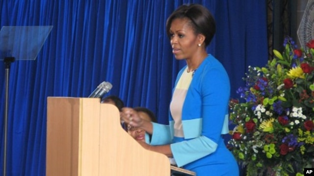 The U.S. First Lady, Michelle Obama, chose Soweto's historic Regina Mundi church to inspire Africa's youths.