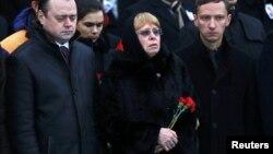მარინა კარლოვა დღეს, ანკარას აეროპორტში, მეუღლის ცხედრის გადასვენების დროს