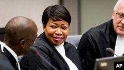 Fatou Bensouda (C) procureure ya CPI na bazuzi basusu na Haye, Pays-Bas, 25 janvier 2019.