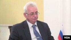 الکساندر مانتیتسکی، سفیر روسیه در کابل گفت کشورش از توسعه دهشت افگنی و حملات انتحاری از افغانستان به روسیه نگران است.