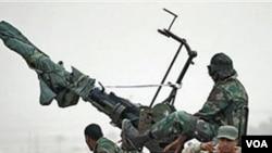 Las fuerzas rebeldes en Libia usan unidades antiaéreas móviles para hacer frente al poder de los aviones de Gadhafi.
