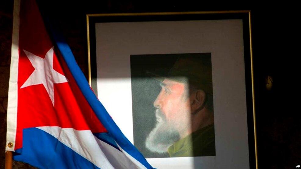 Si i gjallë edhe i vdekur, Kastro përçan kubanët dhe politikën e jashtme amerikane