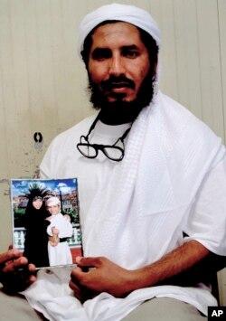 Son olarak Çarşamba günü Amerikan ordusu, Ahmed Muhammed Haza el Darbi adlı bir tutuklunun Suudi Arabistan'a gönderildiğini açıkladı.