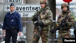 Un reporte secreto de la Unión Europea en que se señalan fallas de seguridad le costó el puesto a la ministra de Transporte belga.