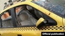 تاکسی تخریب شده در حمله به علی مطهری
