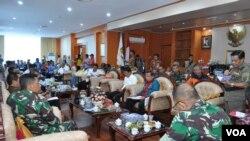 Suasana rapat koordinasi memperpanjang masa tanggap Darurat Bencana Gempa Gempa dan Tsunami di Kantor Gubernur Sulawesi Tengah di Palu, Kamis 11 Oktober 2018. (Foto : Karo Humas dan Protokol Pemprov Sulawesi Tengah)