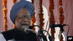 PM India, Manmohan Singh mengumumkan perombakan kabinet untuk memperbaiki citra pemerintahannya yang diguncang skandal korupsi (foto: dok).