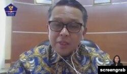 Gubernur Sulawesi Selatan Nurdin Abdullah menjelaskan upaya pengendalian penyebaran virus corona dalam diskusi daring oleh BNPB Indonesia, Rabu, 10 Juni 2020. (Foto: Screengrab)