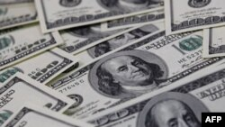 Доллар выходит из доверия