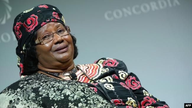 33da544bb29 L ex-présidente du Malawi de retour dans son pays après quatre ans d ...