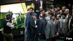 احمدی نژاد خواستار سخنرانی برای نمایندگان بود