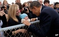 Le président Barack Obama à son arrivée à l'aéroport de san Francisco, le 20 avril