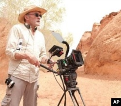 Director Danny Boyle on the set of 127 HOURS