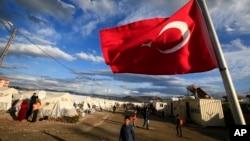 ترکی کے شہر اصلاحیہ میں شامی پناہ گزینوں کا ایک کیمپ۔ فائل فوٹو