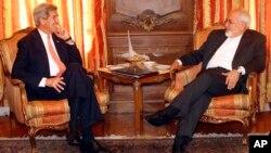 Госсекретарь США Джон Керри и министр иностранных дел Ирана Мухаммед Джавад Зариф (архивное фото)