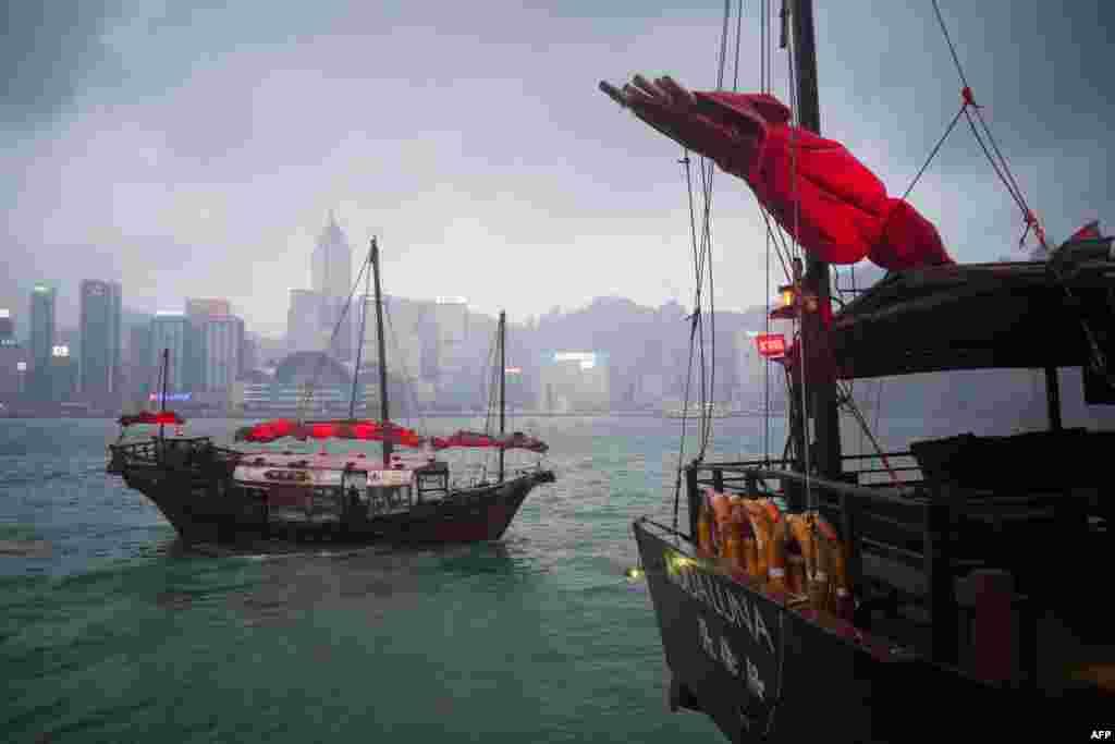 نمایی از بندر ویکتوریا در هنگ کنگ