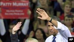سهرۆک ئۆباما لهگهڵ سیناتۆر پاتی موری له میانهی ههڵمهتێـکی بانگهشهی ههڵبژاردندا له زانکۆی واشنتن له شـاری سیاتڵی ویلایهتی واشنتن، پـێـنجشهممه 21 ی دهی 2010
