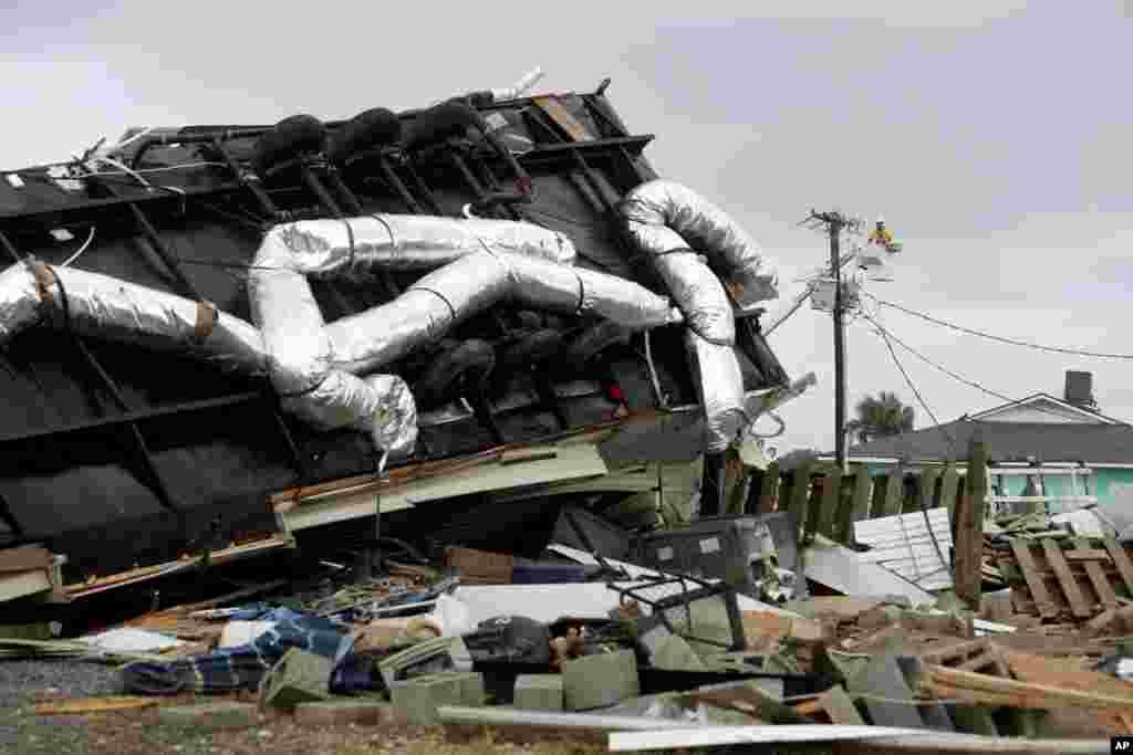خرابی توفان دریایی دوریان در کارولینای شمالی.