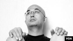 Penulis Liao Yiwu dicekal oleh pemerintah Tiongkok.