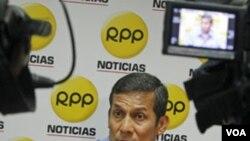 El candidato presidencial nacionalista, Ollanta Humala, insiste en distanciarse de Hugo Chávez.