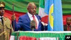 Presiden Burundi, Pierre Nkurunziza disumpah untuk masa jabatan ketiga di Bujumbura, Kamis (20/8).