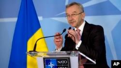 Посол Украины в НАТО Игорь Долгов