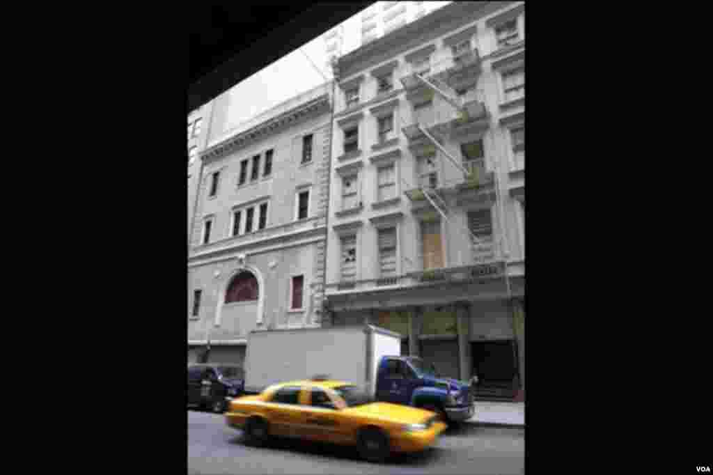 Lokacija na kojoj je planirana iygradnja kontroverzne džamije u New Yorku. Snimljeno u ponedjeljak 16. avgusta.