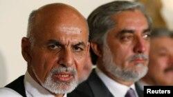 Ứng viên tổng thống Afghanistan Ashraf Ghani và đối thủ Abdullah Abdullah