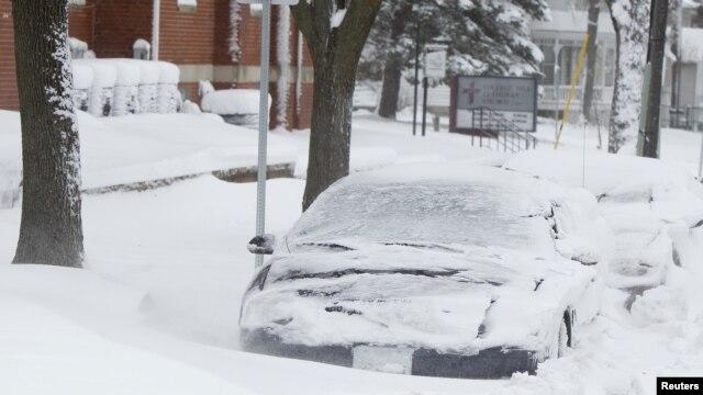 Las vías siguen muy afectadas por la temporada invernal. Las autoridades advierten de viajes peligrosos.