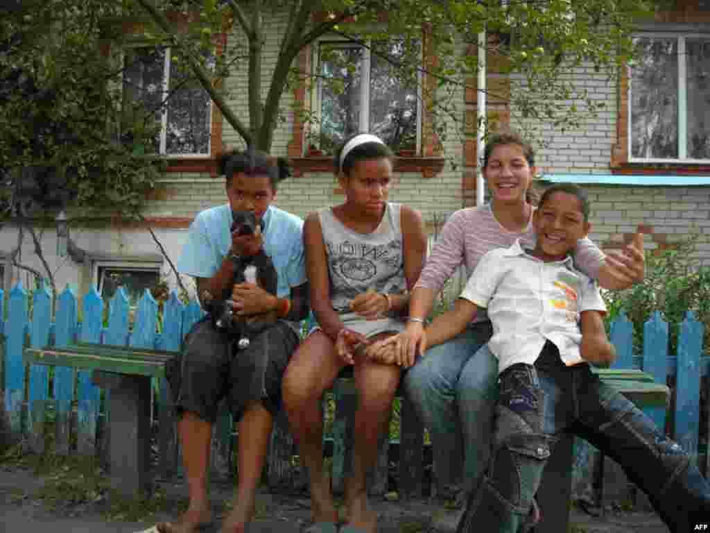 Карина, Маша, Снежана и Андрей