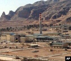 Natanz uranni boyitish inshooti Isfaxon yaqinida, poytaxt Tehrondan 410 kilometr narida joylashgan